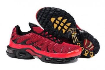 Chaussures Nike Air Max TN Plus Homme Noir Jaune Pas Cher