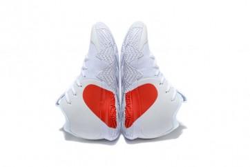 "Homme Nike Kyrie 4 ""Heart"" Blanche Rouge Meilleur Prix"