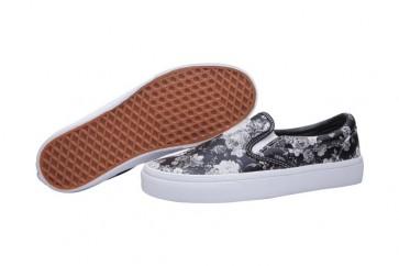 Chaussures Vans Classic Slip on Noir Blanche Pas Cher