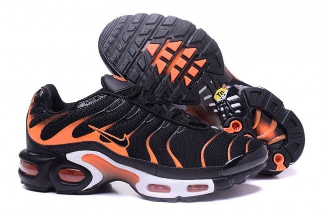 Rabais Homme Nike Air Max TN Chaussures NoirBlancheOrange