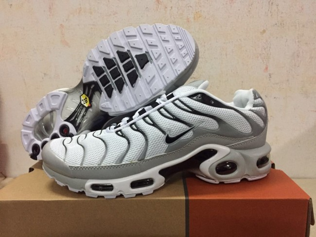 quality design 13b05 2ac04 Boutique Chaussures Nike Air Max TN Plus Homme Blanche Grise