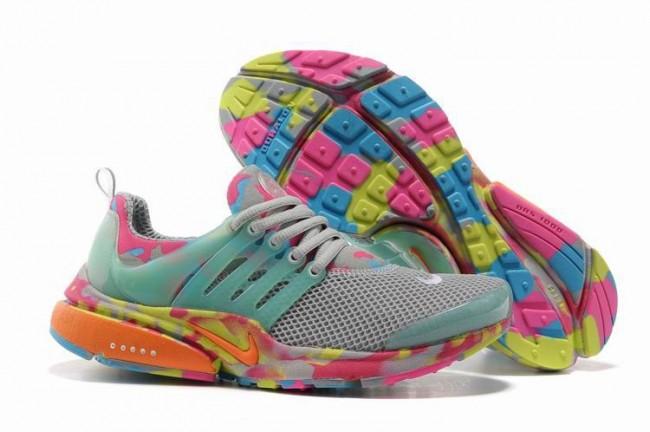 images détaillées f31b1 001b9 Rabais Femme Nike Air Presto Chaussures Grise Rose Camo Pas ...